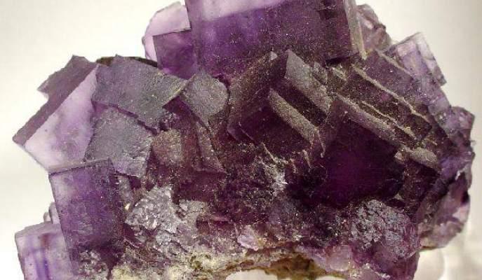 Fluorite. Credit: Rob Lavinsky, iRocks.com – CC-BY-SA-3.0